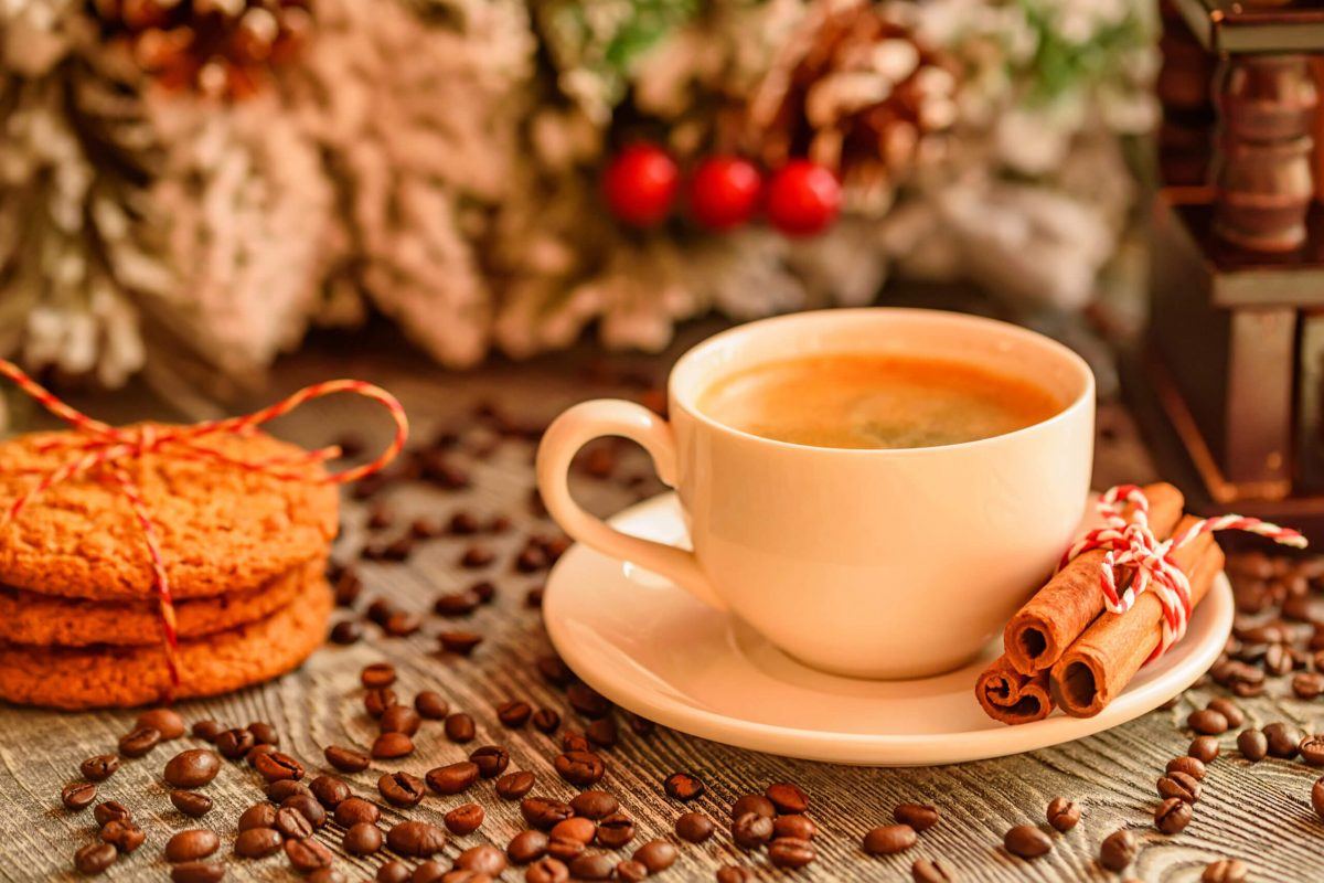 photodune-2LIfceVA-cozy-winter-setting-with-cup-of-coffee-l-scaled-1