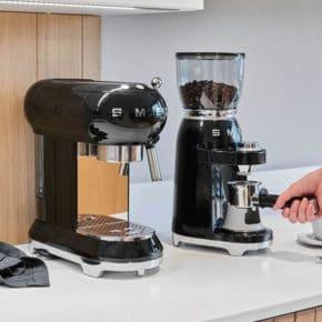 SMEG Moulin à café 50's Style 11
