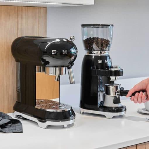 SMEG Moulin à café 50's Style 7